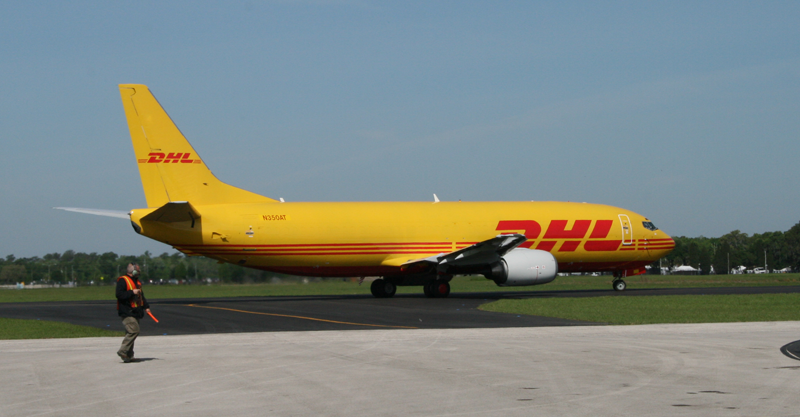 DHL Side View